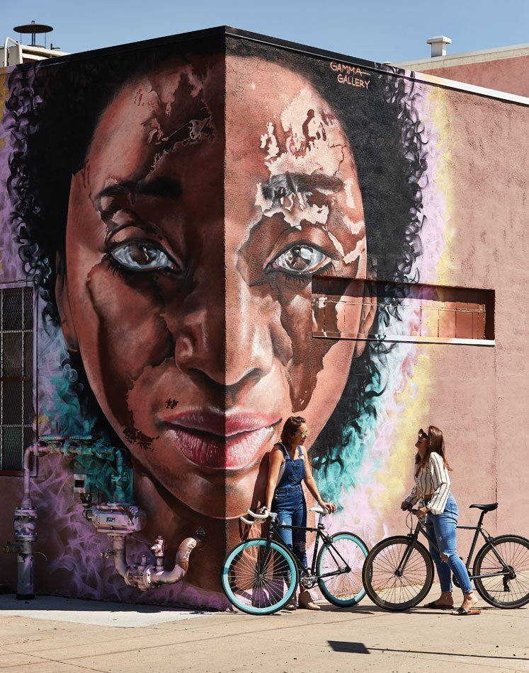 mural-of-woman's-face-on-corner
